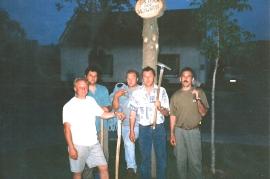 2000 163 Maibaum Gasthaus Prominzer