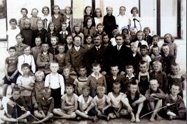 1927 Volksschule Jahrgang 1921 3LÖ
