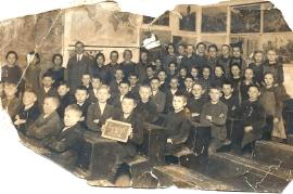 1927 A 174 Schulbild 1927-28 1. bis 3. Klasse