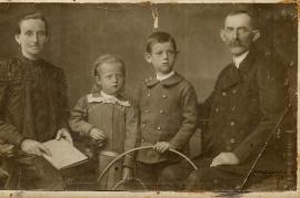 1920er E. Tetzl (Meixner), Karoline Beck, M. Meixner, ?, Foto Mindszenty Pozsony 101FM