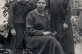 1925 Geschwister Müllner, Anna Salzer, Maria Bauhofer, Elisabeth Lambert, Theresia Bauhofer 2BAUM