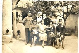 1919er Familienfoto 32W