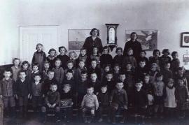 1938 im Kindergarten im ehem.Doktorhaus 26PA