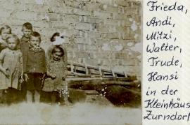 1939  Frieda, Andi, Mitzi, Walter, Trude, Hansi in der Kleinhäuslgasse 55RW