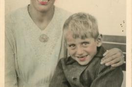 1940er Johann Kischners Frau mit Sohn 65HW