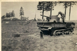1940 - gefangener belgischer Garden Lord T-13 Panzerjäger 99B
