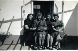 1960er Angestellten der Schneiderei Horvath 10HT