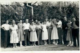 1960er H. Reif, E. Reif, F. Lang, ?, M. Meixner, Gretl Schmelzer (Pamer), J. Meixner, A. Reif, Liesbeth Meixner (Schieszler), J. Stadler, P. Reif, Liesl Steiner, P. Weiss, ???; 12FM