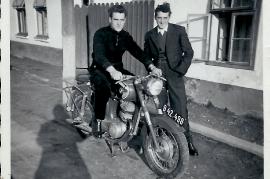 1958 2 2 Brüder Atsch u. Sepp Moser 132RM