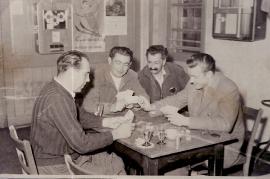 1957 Kartenpartie Hr. Binder, Dir. J. Graf, M. Prominzer, ?.  142AH