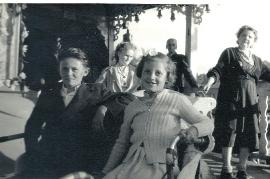 1956 M. Sonnleitner im Prater 25So