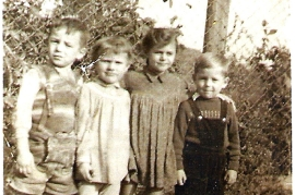 1958 v.l. H. Nitschinger, Sissi. Amri, Maria. Karl, Werner. Pethö 76NH
