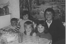 1974 Wolfgang, Karin, Elke, Alexandra, Johann, 30FR