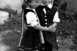 1961 Trachtenpärchen (40 Jahre Burgenland) Edda Schmickl und Johann Harmat könnte auch 1960 sein 38HR
